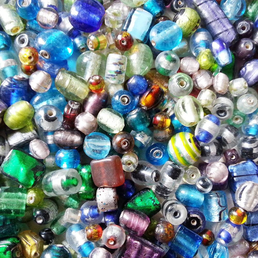 glass beads - small silver Foil mix- 16006 x 1 KG